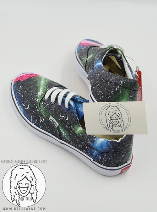 נעל בעיצוב חלל